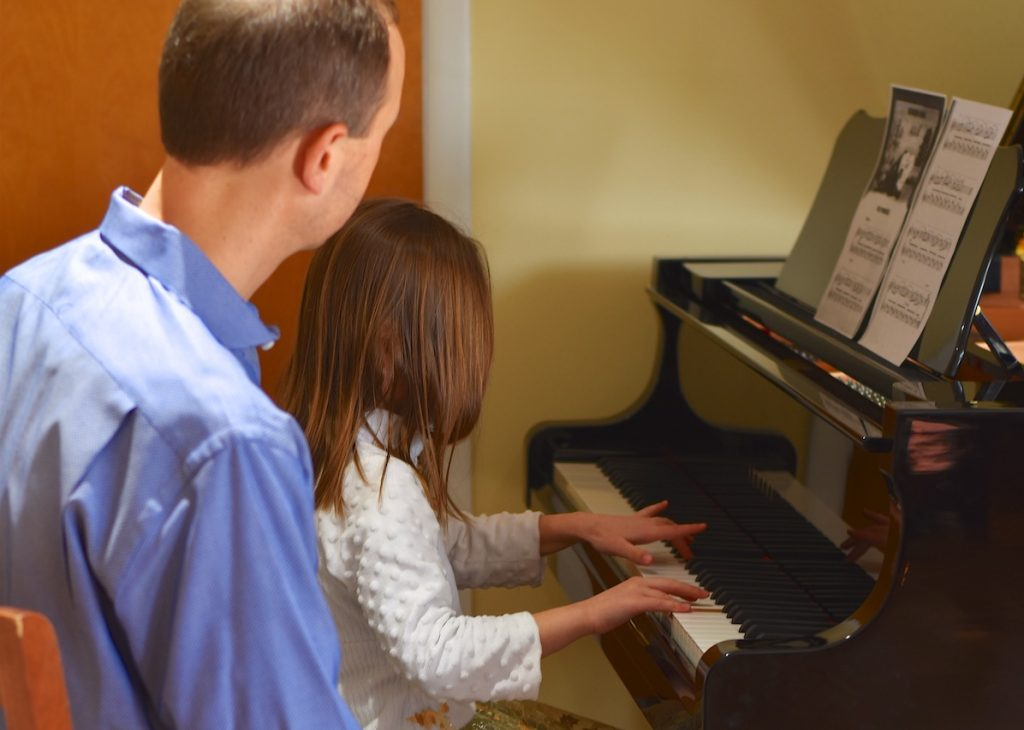 Piano lesson plans for beginners - image Photo_Lesson-PLans-1024x730 on https://musicmasterlab.com