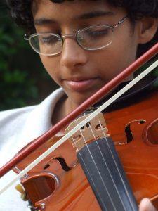 Business - image violinist-225x300 on https://musicmasterlab.com